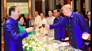 President-Trump-Attends-APEC-2017-Gala-Dinner-w-Vladimir-Putin-Various-World-Leaders-111017