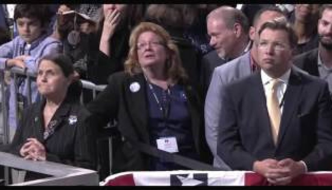 Watch-Tears-and-Cheers-for-Clinton-and-Trump-in-US-Election