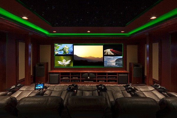 Wall Lights For Movie Room : Awesome Media Room with 5 Screens, Theater Seating and Cool Lighting - Electronic House