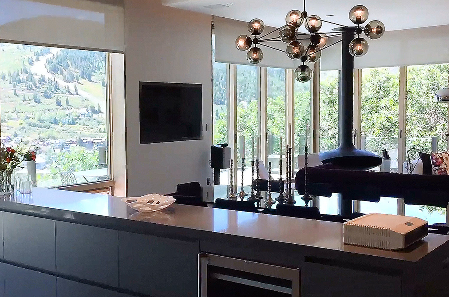 Automated Shades Harmonize with the Great Outdoors