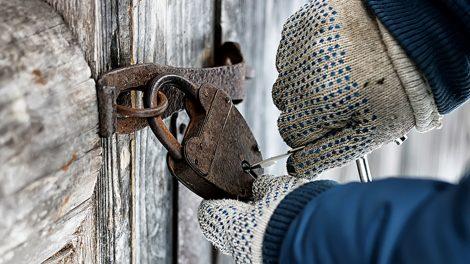 padlock-on-shed