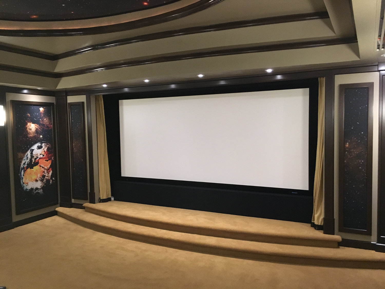 Space-Age Home Theater Sets the Entertainment Bar High - Electronic ...
