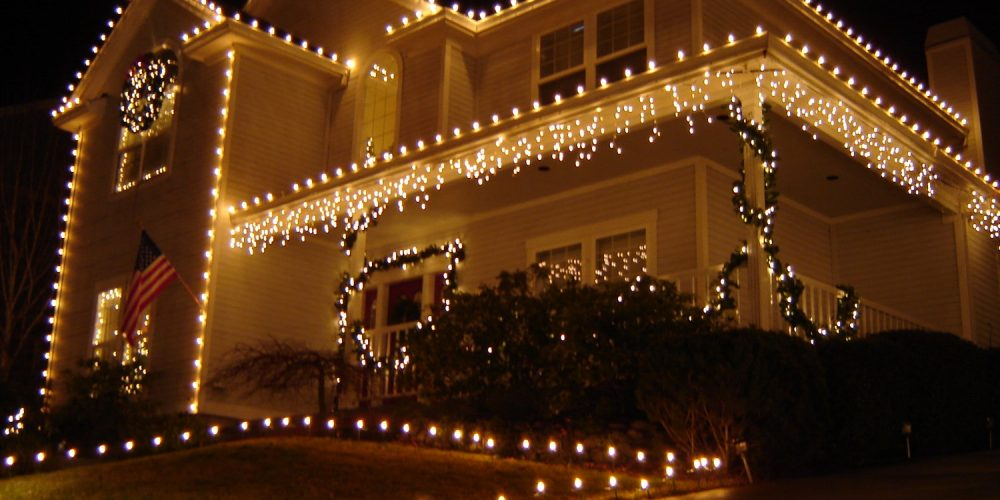 One Story House Christmas Lights.10 Holiday Lighting Tips For Your Home Electronic House