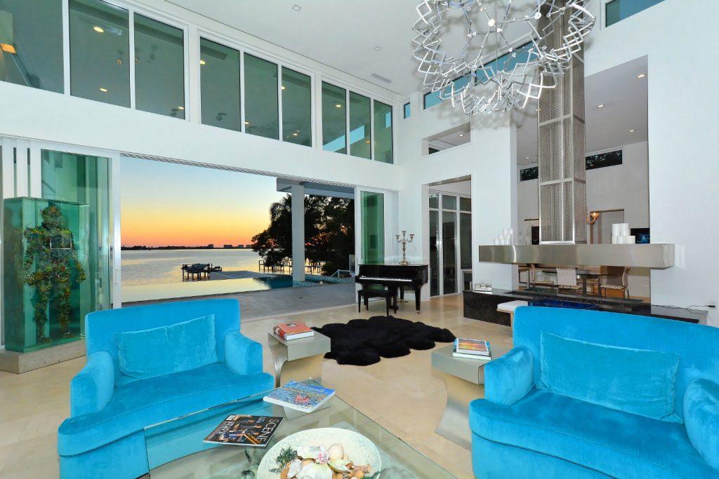 Sarasota Home Displays A Fusion Of Modern Tech Artwork And Style Inspiration Interior Design Sarasota Style