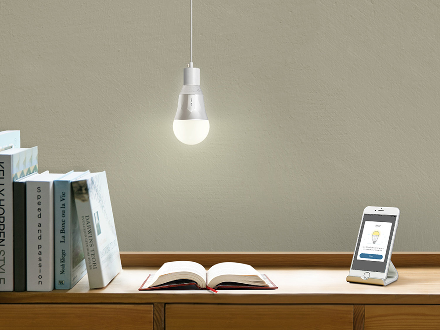 5 smart lights you can control with amazon alexa or google assistant electronic house. Black Bedroom Furniture Sets. Home Design Ideas