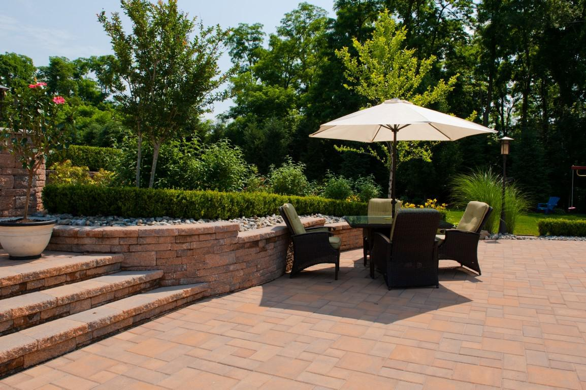 Patio Design & Raised Patio Builders – Elite Landscapes on