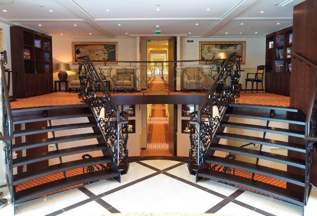 LYRA_Reception_Stairs