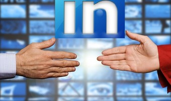 Get hired fast linkedin job search hands 795x350