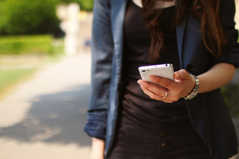 How Putting Your Phone Away Will Create More Business Opportunities