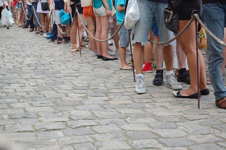 Ten Good Habits To Develop While You Wait In Line