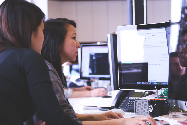 Confidence and Connection: Survey of 1000 Entrepreneurs Reveals Challenges Women Face