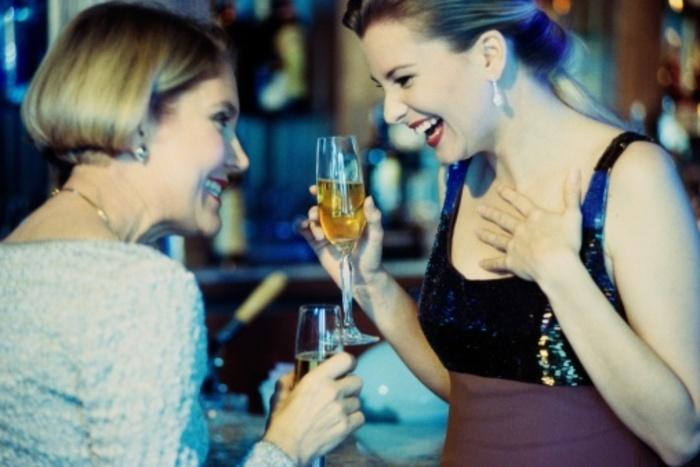 Bar mingle