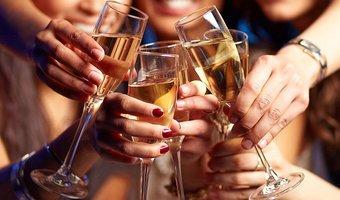 Group women cheersing champagne