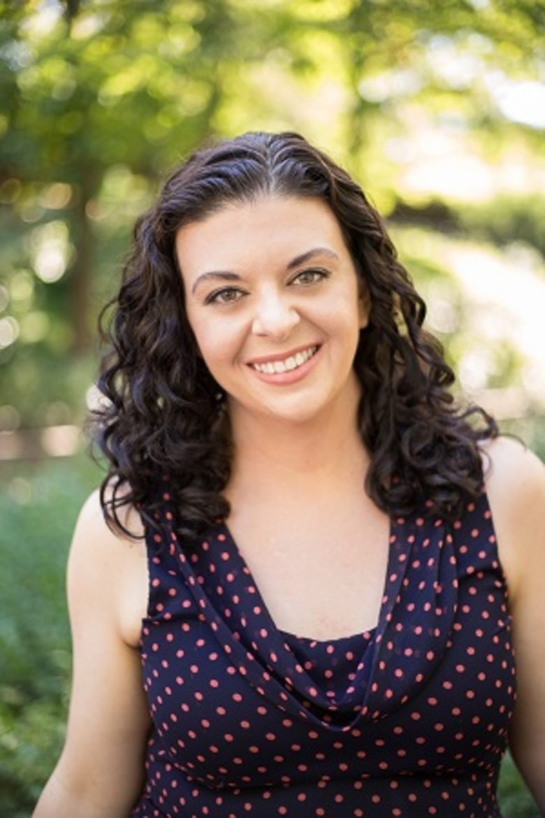 Angela Santillo Launches Corporate Storytelling Consultancy