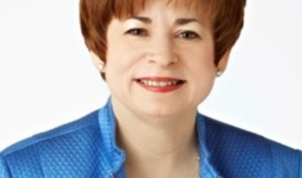 Maxine clark portrait color elev%29