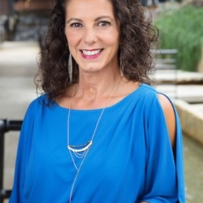 Lori Bruhns