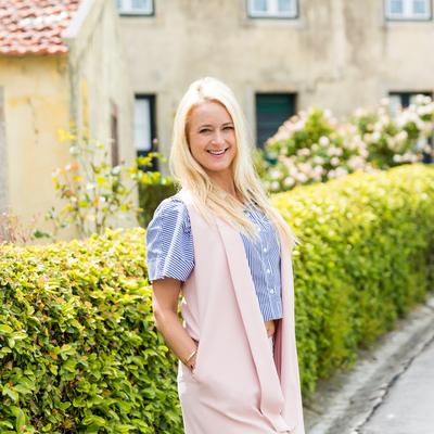 Violet Lange