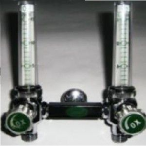 Flujómetro doble para oxigeno de 0-15 lpm con conexión tipo PURITAN Cat ARD-902343 Aramed