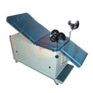Mesa de exploración modelo Futuro con puertas corredizas de pata sin pierneras Cat ARV-LAM-055 Arveol