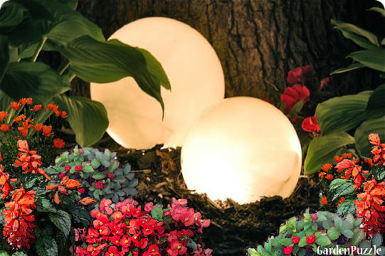GardenPuzzle project Night Time Glowing Garden Globes