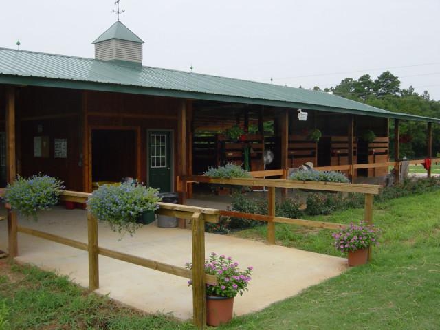 8-stall barn for rent in Aiken. Photo courtesy Theresa King.
