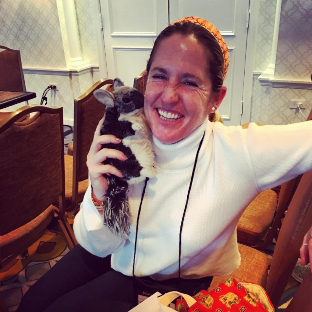 Sharon White gets some love from Chinch! We're so thrilled to see Sharon smiling and pain-free (and orange!) following her back surgery. Photo via EN's Instagram.