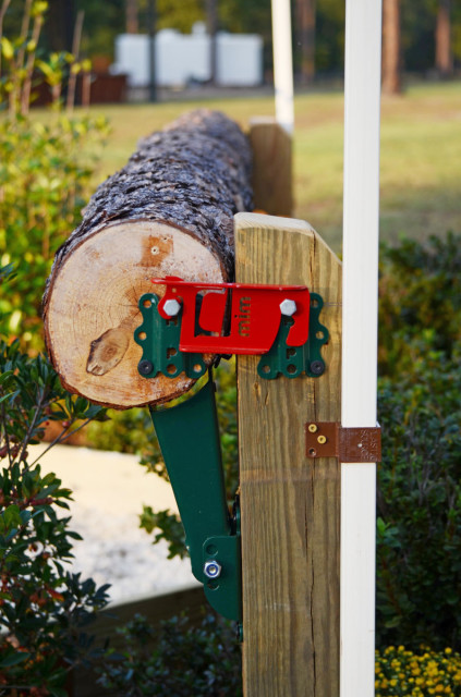 A MIM clip on one of the Advanced fences. Photo courtesy of Stable View.