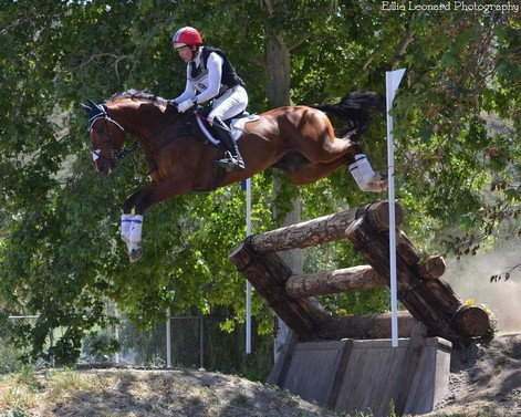 Tamie Smith and Dempsey giving the massive Tiger Trap plenty of room at Galway Downs. Photo by Ellie Leonard.