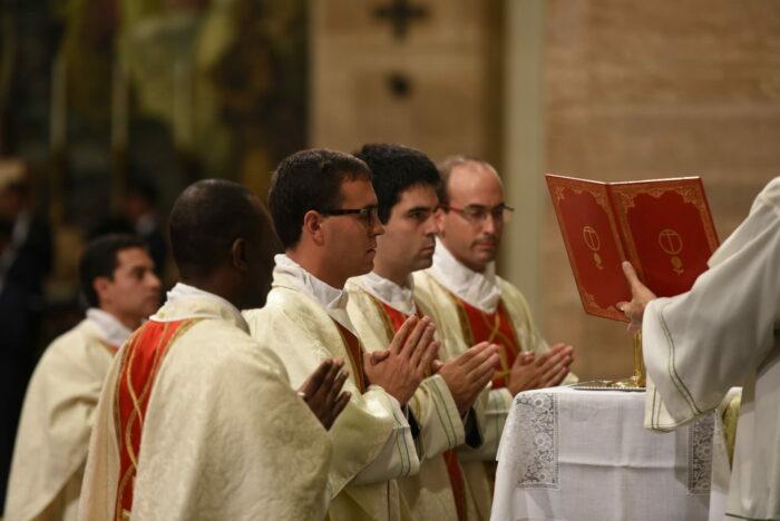 Sacerdotes-Opus-Dei