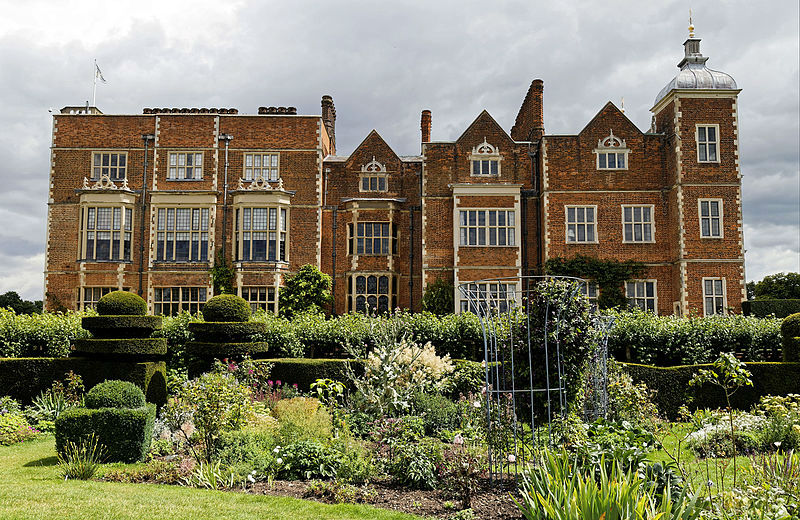 English Stately Homes: Hatfield House