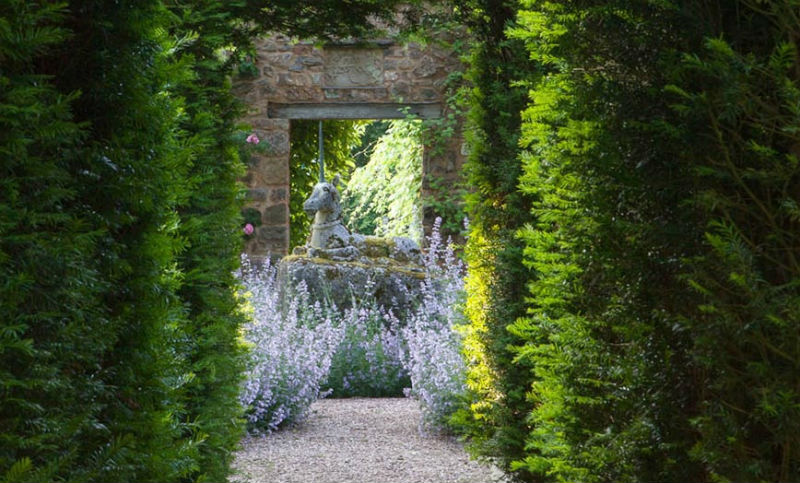 english country gardens Cothay Manor