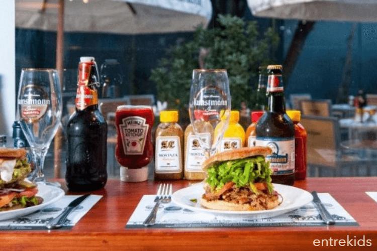 Ven a disfrutar de un rico almuerzo con tus hijos en Restora