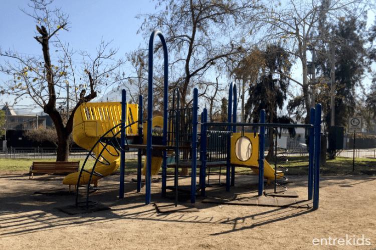 Plaza Alberto Larraguibel