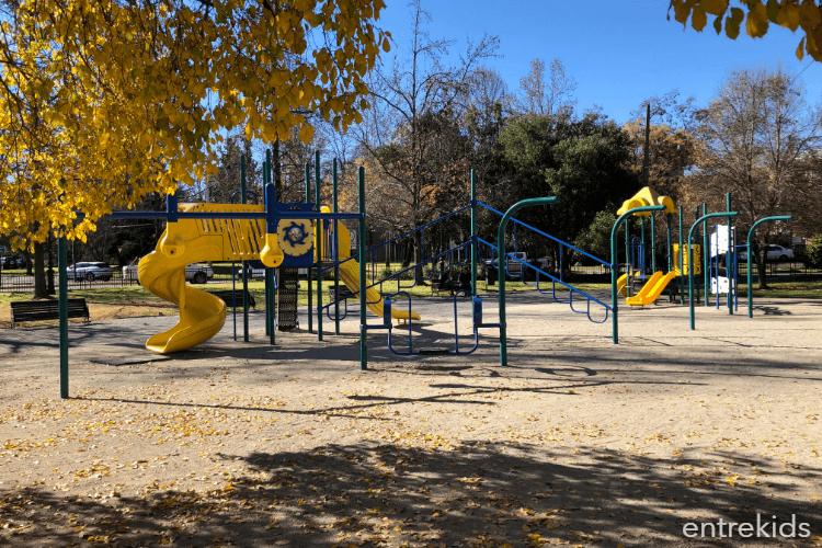 Plaza Carol Urzua