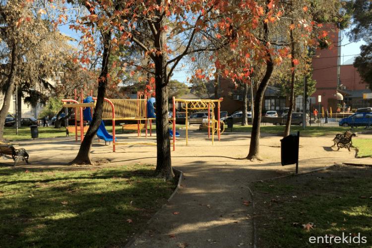 Plaza Pueblo del Inglés