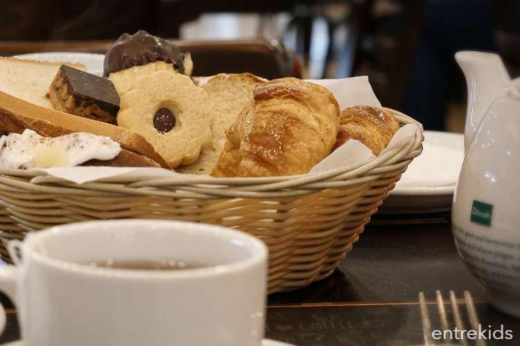Disfruta de Heladería-Cafetería y Juegos infantiles Tavelli