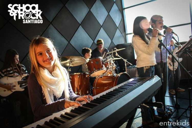 4 clases de música en School of Rock, Las Condes