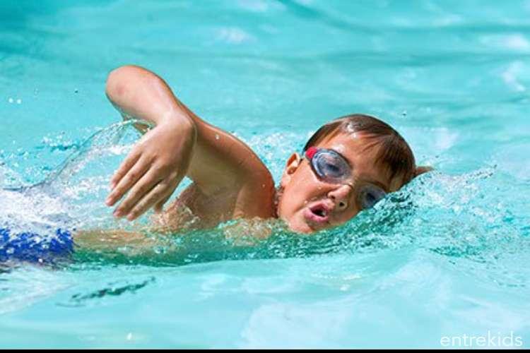 Clases de natación para niños en Spa Mund