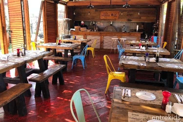 Disfruta de Pizzas, Menú de Niños y Colados en Alfonsina