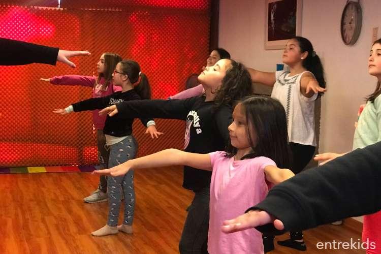 4 Clases de Baile Infantil - Prejuvenil en Dartis Academia