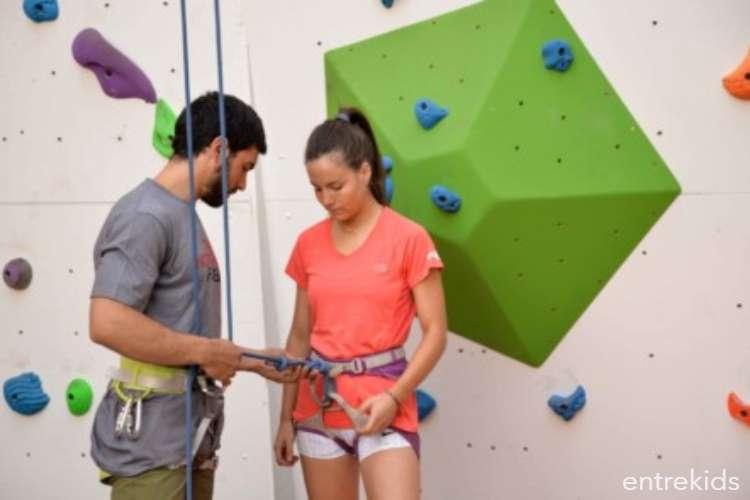 Escalada de prueba para niños en Climbing Park