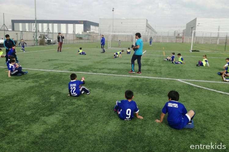 Escuela de fútbol U. de Chile en verano
