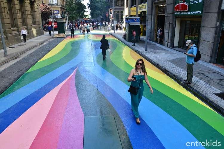 Conoce el Paseo Bandera en Santiago