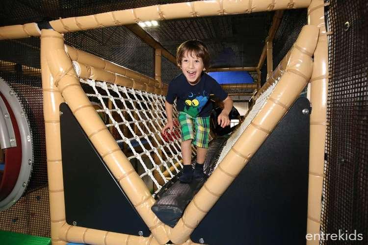 Salta en Coney Jump - Parque Arauco