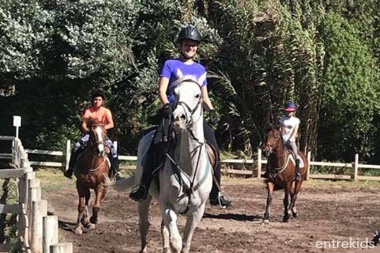 4 Clases de equitación para jóvenes