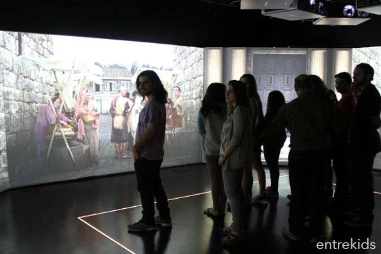 Exposición de fotográfica en el MUI de Las Condes