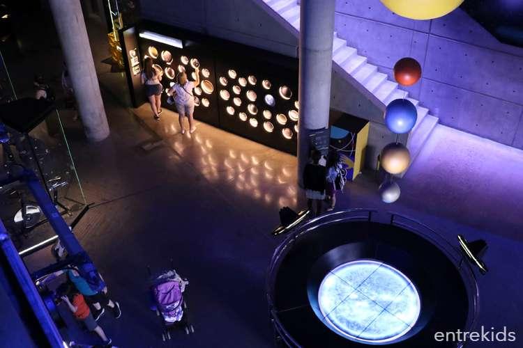 Visita el Túnel Universo del MIM