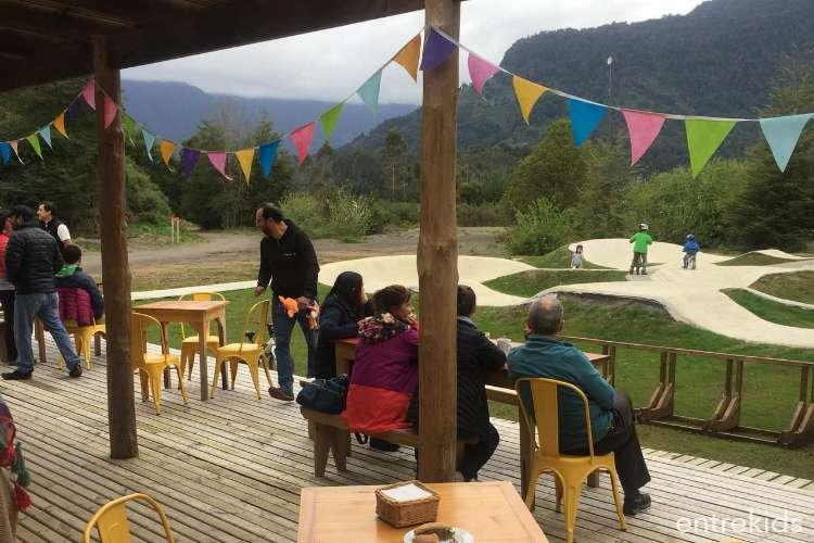 Pump Track Parque Hueñu Hueñu