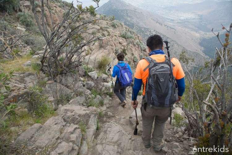 Disfruta el atardecer desde las alturas en Cerro Manquehuito