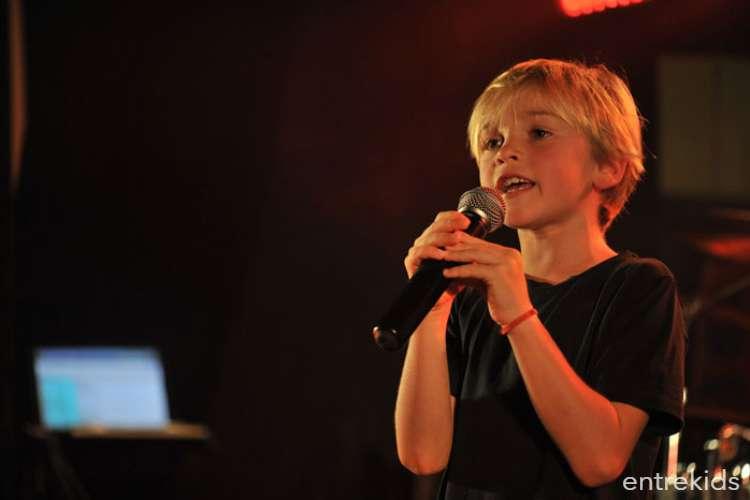 Clases mensuales de canto para niños